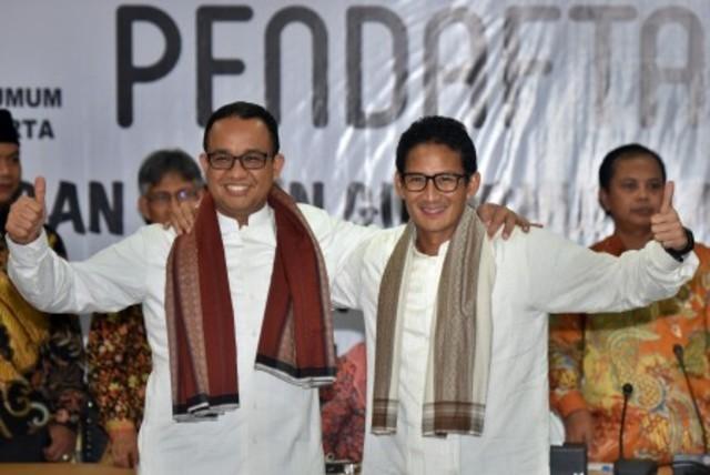 Anies Baswedan dan Sandiaga Uno. Foto oleh Yudhi Mahatma/ANTARA