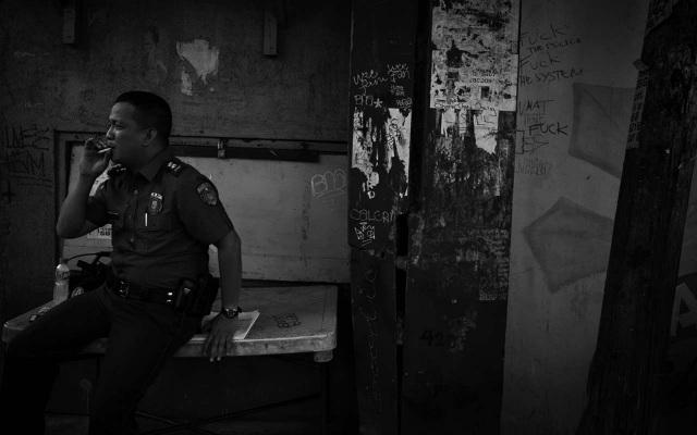 ORDERS. Vigilante killers claim Police Superintendent Robert Domingo of Police Station 1 along Raxabago gave orders to kill. Photo by Carlo Gabuco