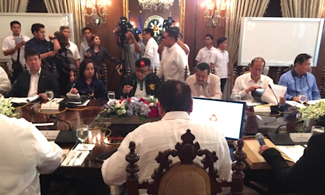 IN FULL FORCE. (Second from left to right) Former presidents Gloria Mapacagal-Arroyo, Fidel Ramos, Joseph Estrada, and Benigno Aquino III attend the National Security Council meeting on July 27, 2016. Photo from Malacau00f1ang