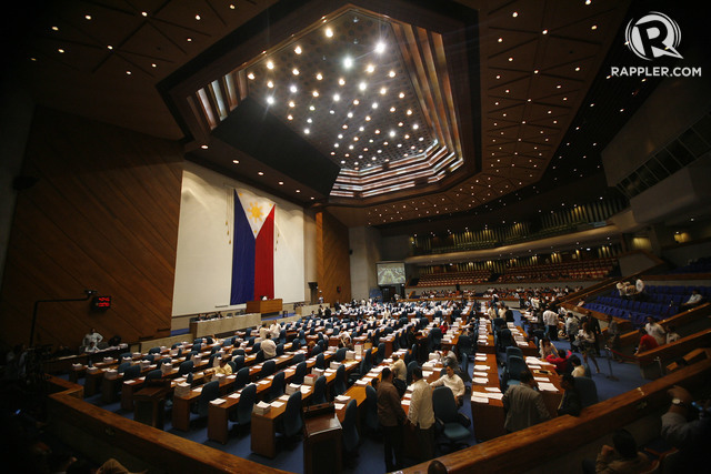 DECLINE. Satisfaction with the performance of the House of Representatives declines in the 2nd quarter of 2018, based on a Social Weather Stations survey. File photo by Ben Nabong/Rappler