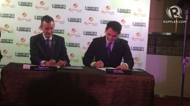 NEW PARTNERSHIP. URCC president Alvin Aguilar (right) and Resorts World Manila chief operating officer Stephen Reilly ink their deal. Photo by Nissi Icasiano/Rappler
