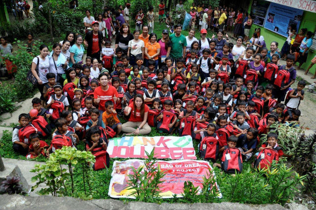 MANGYAN MISSION. Bag 943 reaches the Mangyan kids of Oriental Mindoro