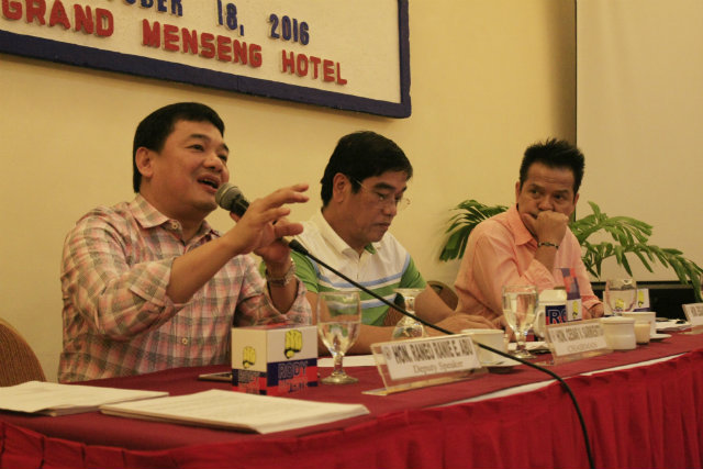 TRAFFIC CRISIS IN DAVAO. House Transportation Committee Chair Cesar V. Sarmiento and Deputy Speaker Raneo Raine Abu preside over the hearing on the Traffic Crisis Bill at the Grand Menseng Hotel in Davao City on Tuesday, October 18. Photo from Davao City government