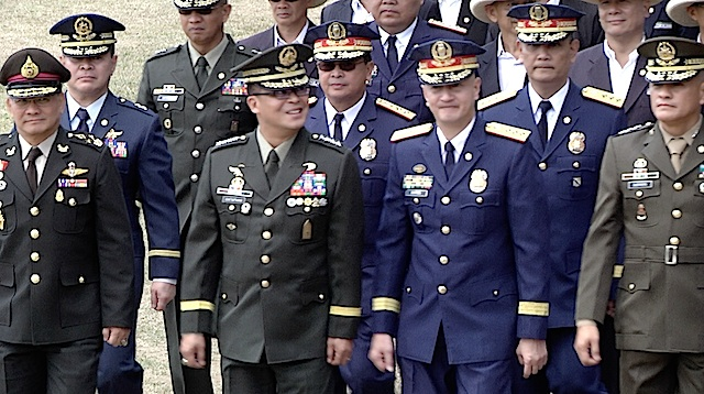 THE RULING CLASS: Royal Thai General Thawip Poonsiri Netniyom, AFP chief General Gregorio Catapang Jr, PNP OIC chief Deputy Director General Leonardo Espina and Wesmincom chief Lieutenant General Rustico Guerrero