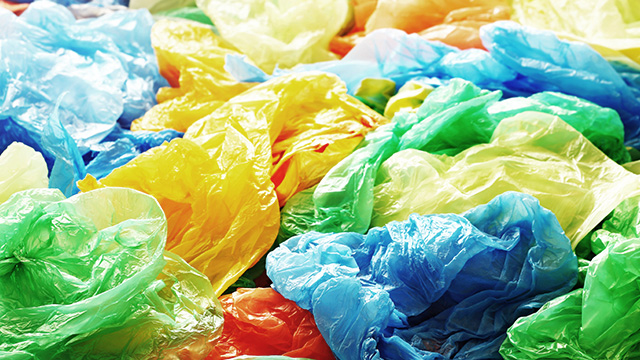 PLASTIC USE. A report says almost 57 million shopping bags are used every day throughout the Philippines, adding up to more than 20 billion a year. Image via Shutterstock