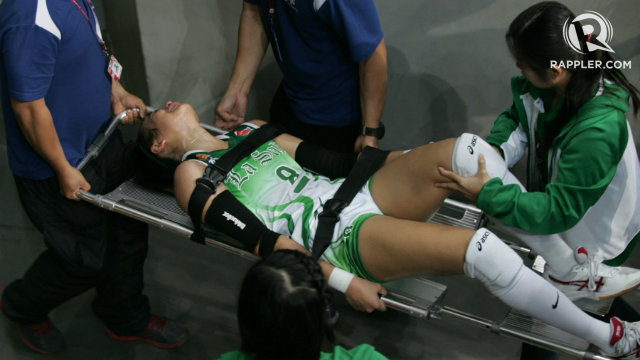 EXCRUCIATING. Ara Galang's injury came at the worst time for La Salle. File photo by Josh Albelda/Rappler
