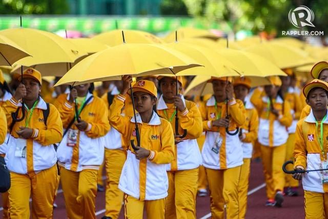 ILOCOS. Delegates from the Ilocos Region join the parade during the 2016 Palarong Pambansa. File photo by Roy Secretario/Rappler