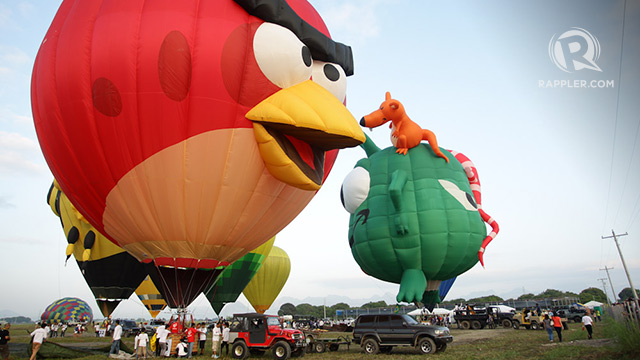 ANGRY BIRDS WILL FLY AGAIN. This outsized bird was just one of many whimsical characters to make an appearance at the International Hot Air Balloon Festival. Photo by Mark Cristino/Rappler