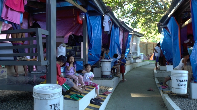 UNCERTAIN. Evacuees are uncertain until when they can stay at Innland Resort as Alert Level 4 is still raised over Taal Volcano. Photo by Franz Lopez/Rappler