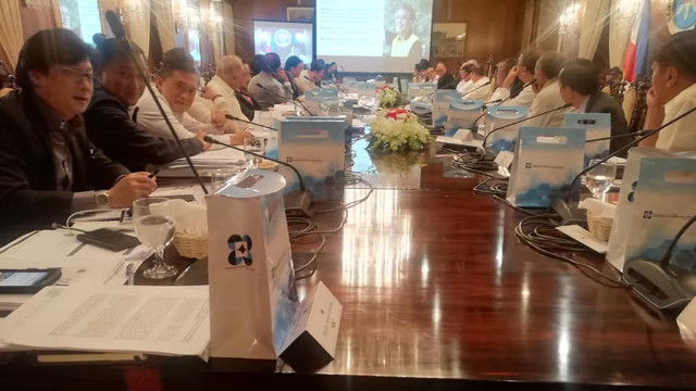 CABINET DISCUSSIONS. Former interior secretary Mar Roxas' photo is used in a Cabinet meeting presentation. Photo from Secretary Manny Piu00f1ol Facebook page