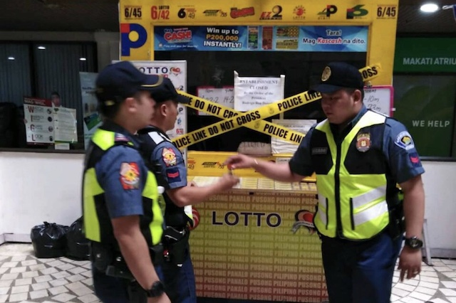 ROVING. Cops pursue patrols to spot lottery outlets across Metro Manila. NCRPO photo