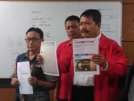 Serikat Organisasi Karyawan Swadiri Indonesia (SOKSI) melaporkan Tempo ke Dewan Pers, Selasa (10/10). Foto oleh Bernardinus Adi/Rappler