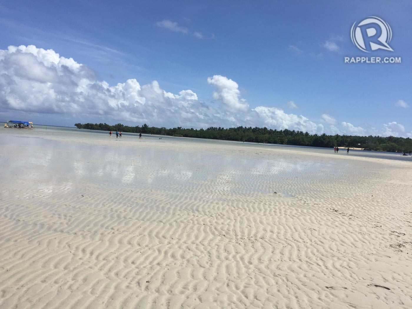 POWDERY SAND. The white sand beach that can rival the best in the country. Photo by Bonz Magsambol/Rappler