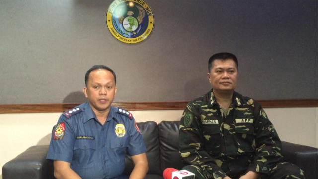 JOINT TASK FORCE. Police Senior Superintendent Rhoderick Armamento from the National Capital Region Police Office and Brigadier General Roberto Domines from the Armed Forces of the Philippines discuss plans to secure Metro Manila after the Davao blast. Photo by Jee Y. Geronimo/Rappler