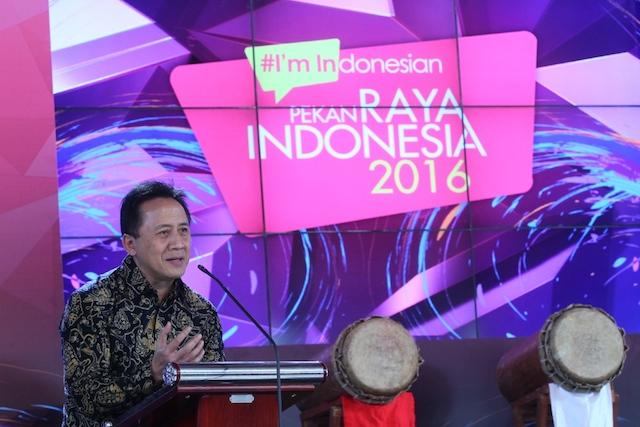 Triawan Munaf selaku Kepala Badan Ekonomi Kreatif (Bekraf) memberikan sambutan dalam opening ceremony Pekan Raya Indonesia 2016. Foto dari PRI 2016