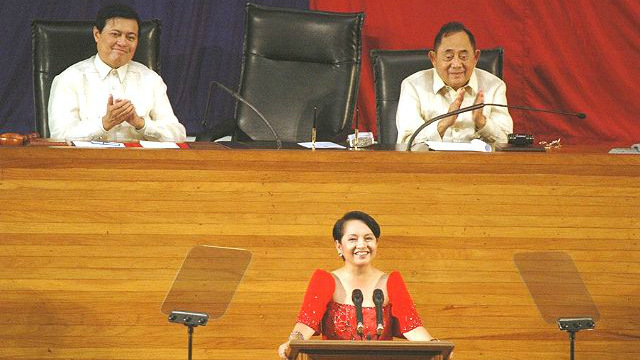 GMA'S SONA. Former president Gloria Macapagal-Arroyo delivers her 7th State of the Nation Address. Photo from Malacau00f1ang Photo Bureau)