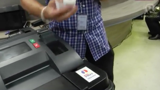 THERMAL PAPER. Make sure the thermal paper is properly loaded in its slot so the voter's receipts will be printed. Rappler photo