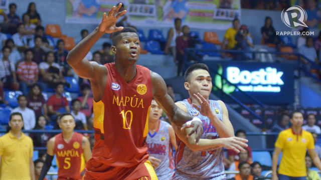 CAN'T STOP ME. Allwell Oraeme dominates with 15 points and 30 boards. Photo by Josh Albelda/Rappler
