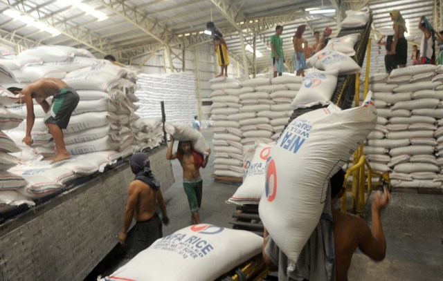 NFA RICE. The NFA is supposed to ensure sufficient supply of NFA buffer stock in case of calamities. File photo by Jay Directo/AFP