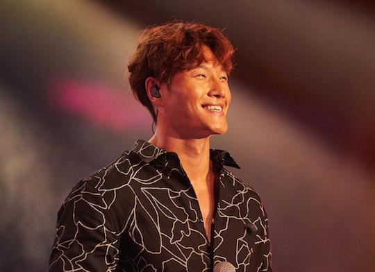 KIM JONG-KOOK. Penyanyi asal Korea Selatan sekaligus personel 'Running Man' juga tampil sebagai pengisi acara. Foto dari Asian Television Awards