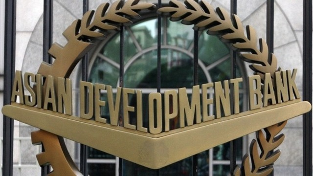 RETAINED GROWTH FORECAST. The Asian Development Outlook (ADO) 2015 says the ADB has kept its assumptions for the Philippine economy. File photo from EPA