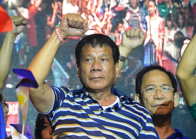 NO APOLOGY TO VICTIM. On the sidelines of a campaign rally in Bacolod City on April 18, 2016, presidential candidate Rodrigo Duterte reiterates his belief that he does not owe an apology to the Australian rape victim who became the butt of his joke. Photo by Marchel P. Espina/Rappler