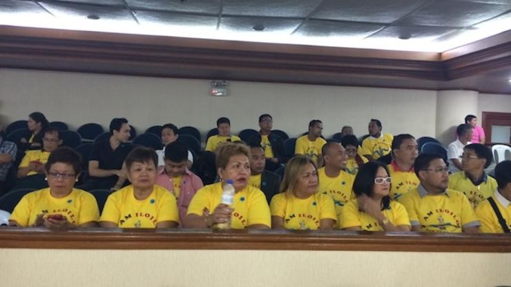 YELLOW SHIRTS: Supporters of Senate President Franklin Drilon attend Senate Blue Ribbon probe. Rappler photo