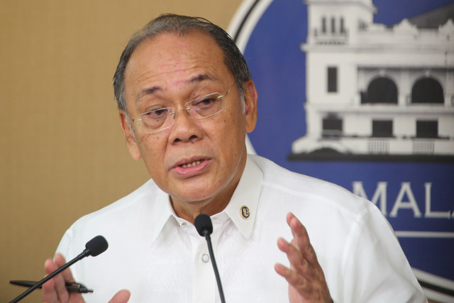 MERELY EXPLAINING. Presidential Spokesperson Ernesto Abella holds a press briefing at Malacau00c3u00b1ang Palace on February 2, 2017. File photo by King Rodriguez/Presidential Photo