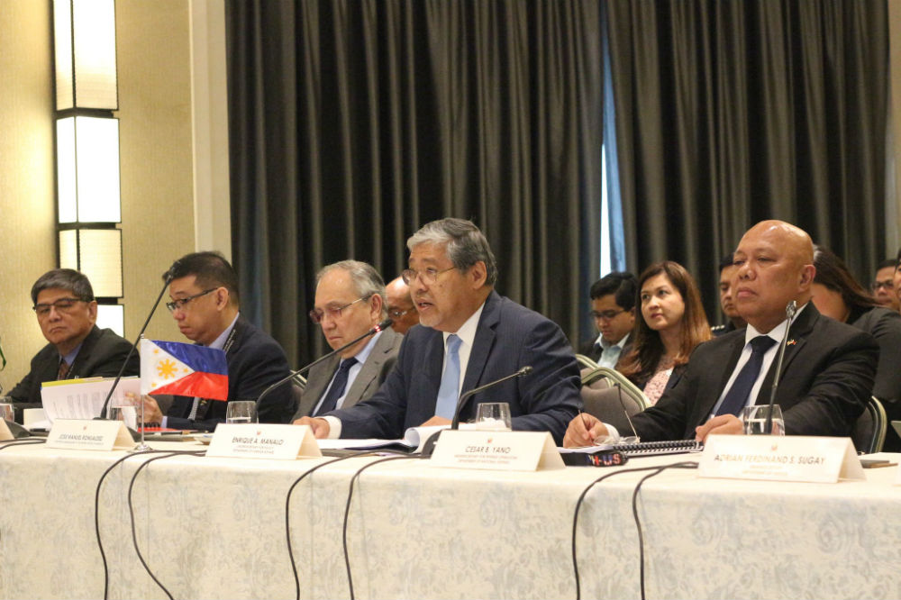 DISCUSSIONS. DFA Undersecretary for policy Enrique Manalo (center) and Defense Undersecretary for operations Cesar Yano are among representatives of the Philippines co-chairing the 8th Philippines-US Bilateral Strategic Dialogue. Photo from the Department of Foreign Affairs