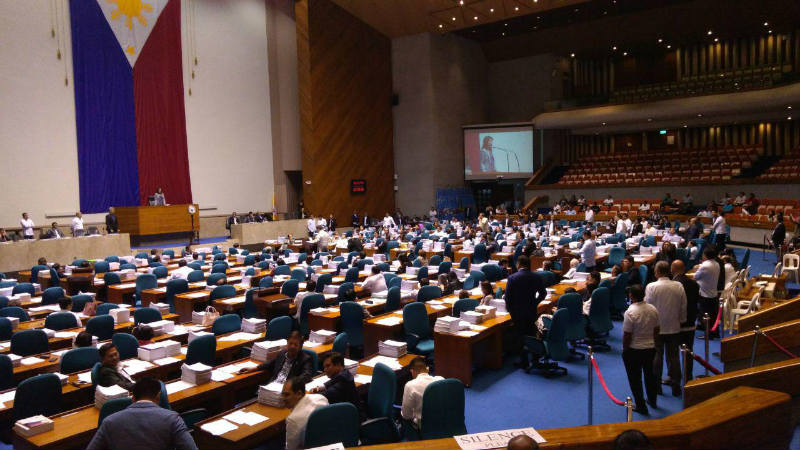 CON-ASS VOTE. The House votes on HCR 9, calling on Congress to convene as a Constituent Assembly to amend the 1987 Constitution. Photo by Bea Cupin/Rappler