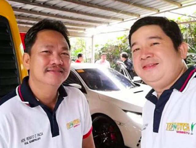 VILLAGE CHIEFS. Barangay Captain Renato Pacia of Sampaloc village (left) and Barangay Captain Nicolas Gardiner of San Vicente village, both in Apalit town, Pampanga. Photo from the Facebook page of Renato Pacia
