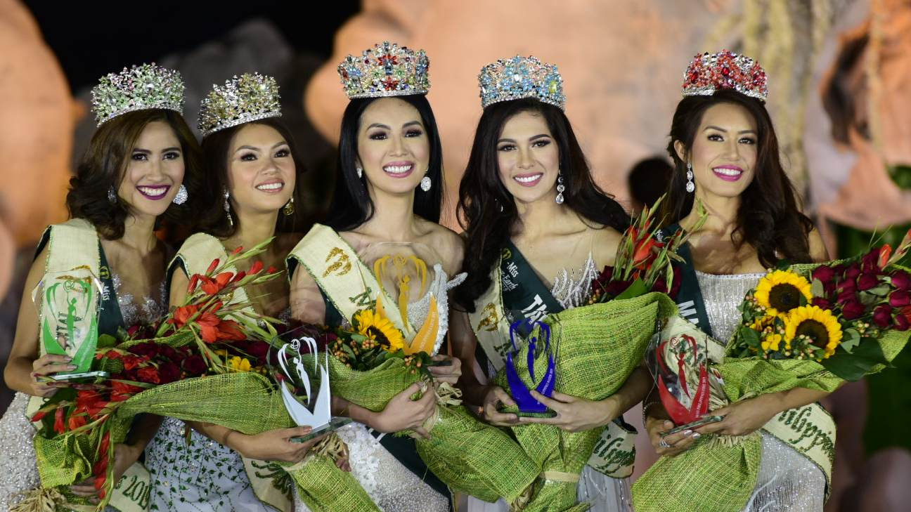 TOP 5. The top 5 finalists of Miss Philippines Earth answered the same question during the Q and A segment. Photo by Rob Reyes/Rappler