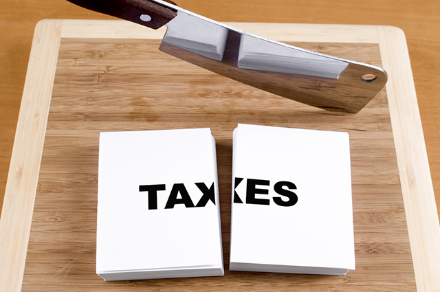STATUS QUO. The government insists on improving tax collection and not imposing new or raising taxes or approving income tax cuts. Image from Shutterstock
