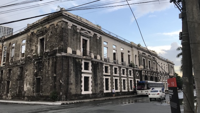 RUINS NO MORE? Plans to reconstruct the Aduana are revived after a commitment by the DPWH to find funding and support for it. Photo by Pia Ranada/Rappler