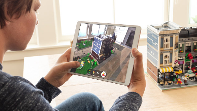 AR KIT 2. The new augmented reality kit offers new tools to create better augmented reality (AR) experiences
