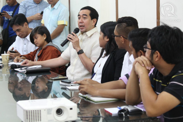 NEW RULES. Comelec Chairman Andres Bautista issues new guidelines for the filing of certificates of candidacy for the 2016 elections. Photo by Joel Leporada/Rappler