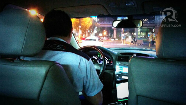 TRAFFIC. While some commuters say ride-hailing services help in their commute, others say the vehicles just add to traffic. Rappler file photo