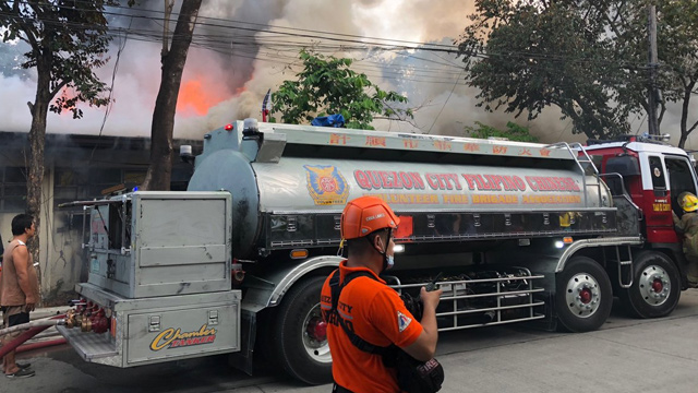 FIRE. Fire hits a canteen located at the UP Diliman Shopping Center. Photo courtesy of UP Vice President for Public Affairs Jose Dalisay Jr