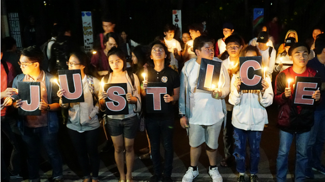 NEVER FORGET. Baguio youth protest in front of the Baguio Supreme Court office following the high tribunal's decision. Photo by Mau Victa/ Rappler