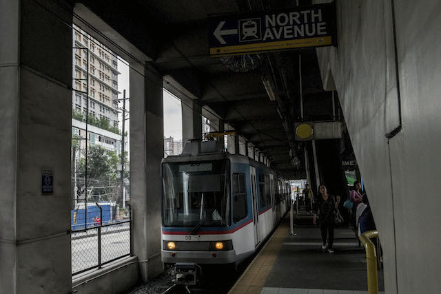 MRT. Road closures due to MRT7 construction have been deferred. Rappler file photo
