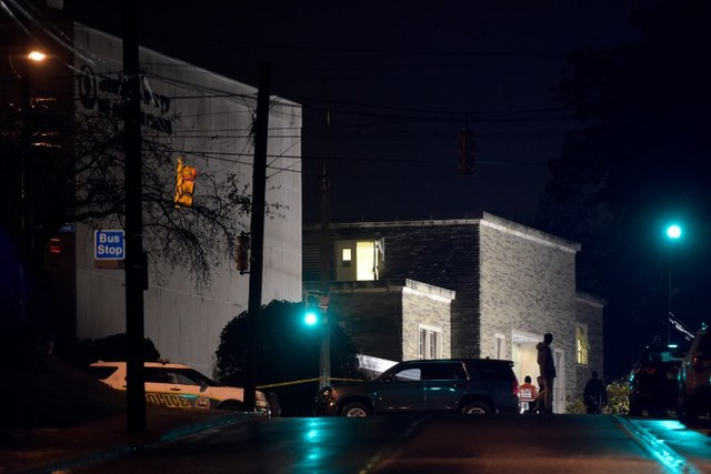 SHOOTING. Police cars are parked outside the Tree of Life Synagogue after a shooting there left 11 people dead in the Squirrel Hill neighborhood of Pittsburgh on October 27, 2018. Photo by Dustin Franz / AFP
