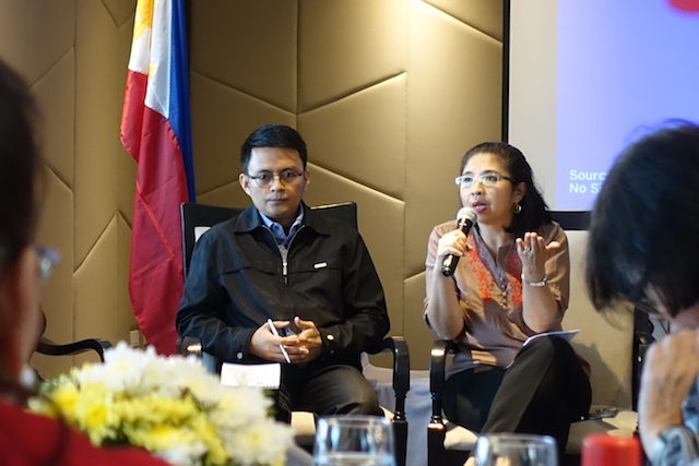 NEW DEPARTMENT. Mark Pablo (L) and Jennifer Santiago Oreta at the national workshop on violent extremism organized by the Friedrich Ebert Foundation in the Philippines. Photo by Rambo Talabong/Rappler