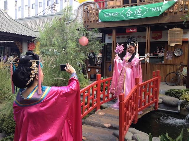 Chinatown Bandung Tempat Kuliner Dan Selfie Bernuansa Tiongkok