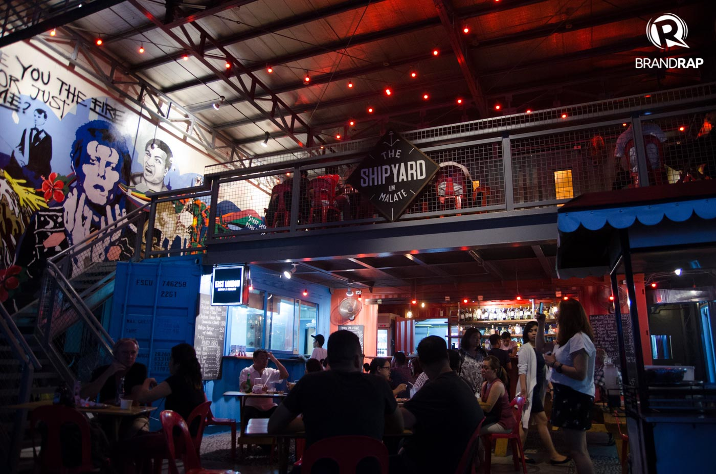 STANDOUT. Shipyard sits amid the restaurants and KTVs in Malate, serving up good pulutan fare, drinks, and music. Photo by Pauee Cadaing/Rappler