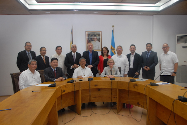 PARTNERSHIP. The Department of Education signs a memorandum of understanding for senior high school with at least 13 industry partners. File photo from DepEd