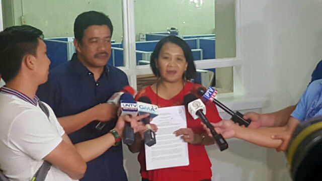 PROBE THE INCIDENT. Bayan Muna Representative Carlos Zarate and ACT Teachers Representative France Castro file the Makabayan bloc's resolution urging a probe into the US Embassy protest. Photo from Bayan Muna
