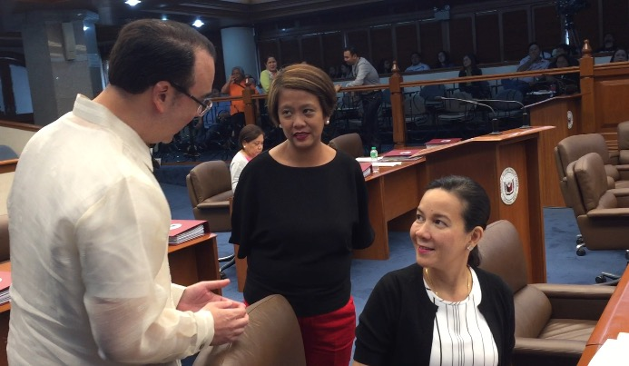 LAST DAY. Senators Grace Poe, Nancy Binay and Alan Peter Cayetano had a light exchange during the latter's last day at the Senate. Photo by Camille Elemia/Rappler