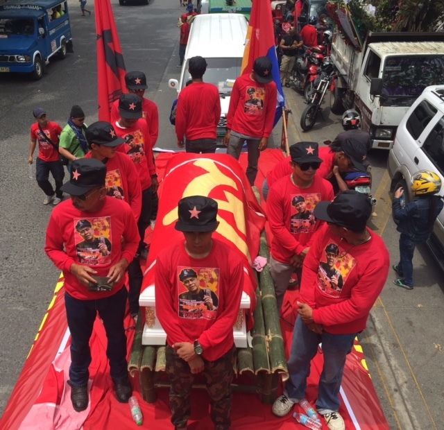 FUNERAL MARCH. A funeral march for communist army leader Leonardo Pitao is given the greenlight by Duterte in Davao City on July 10, 2015. Photo by Editha Caduaya/Rappler