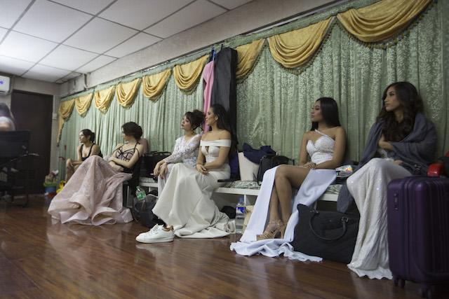 FIXATION. Many young Filipinas dream of becoming beauty queens. Rappler photo