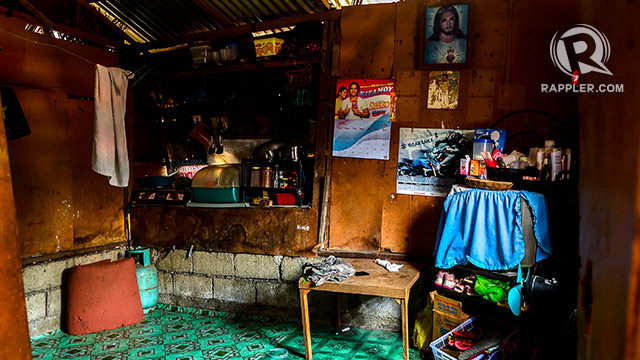 MARYJANE'S HOUSE. Poverty pushes Mary Jane to seek better opportunites abroad. Photo by Jansen Romero/Rappler